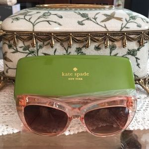 NWT kate spade Sunglasses with case and cloth!